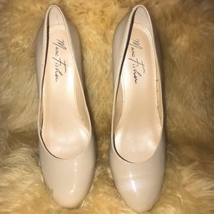 Marc Fisher nude patent leather platform pump